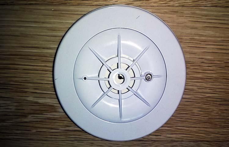 Diferencias entre detectores de calor y detectores de humo - Detectores de humos ...